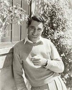 Portrait Of Actor Cary Grant Print by George Hoyningen-Huene Cary Grant, Blake Edwards, Tony Curtis, Mae West, Ingrid Bergman, Katharine Hepburn, Ricky Martin, Caricatures, Ricardo Arjona
