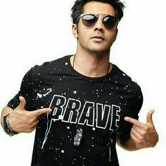 Favourite hero of ritul ganore. Best Poses For Men, Good Poses, Bollywood Couples, Bollywood Stars, Indian Celebrities, Bollywood Celebrities, Varun Dhawan Instagram, Varun Dhawan Photos, Alia Bhatt Varun Dhawan