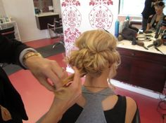 More like this in the back for that style with old Hollywood glam-esque front. Marry the 2 ideas. (curled prom hair with headband) Updo With Headband, Diy Headband, Headbands, Fancy Hairstyles, Headband Hairstyles, Curly Hair Styles, Natural Hair Styles, Updo Styles, Curled Prom Hair