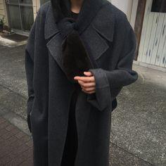 "371 Likes, 6 Comments - Ko Eunbi (@ami.ore) on Instagram: ""✌🏼muffler @ore_clothing [cash wool yarn w/mink fur] 10/24 soon"""