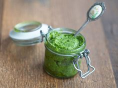 Homemade Pesto © Foodtastic