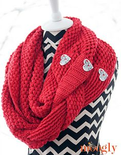 The Madly In Love Infinity Scarf and Cowl pattern is the Winter 2015 Mini Crochet-Along pattern! The first half of the pattern is debuted on February 6th, and the second half has been added as of February 13th.