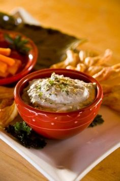 Try Halladay's original, brick oven pizza dip today! Serve as a chilled dip with fresh veggies or enjoy our baked-to-perfection recipes like the white pizza dip served with toasted French bread or breadsticks. Sure to be a crowd-pleaser!