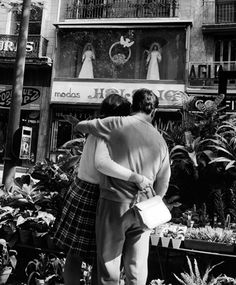 LA TENTACIÓN ESTÁ ARRIBA (RAMBLAS DE BARCELONA, 1968)