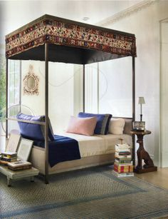 Canopy bed: Splendid Sass: STEPHEN SILLS ~ INTERIOR DESIGN IN CONNECTICUT