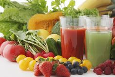 Tips to Make Healthy And Tasty Drinks and Smoothies Making your own fruit and vegetable juice diet at home is an inexpensive way to stay healthy and have Menu Detox, Detox Drinks, Healthy Drinks, Healthy Snacks, Detox Tea, Healthy Juices, Eating Healthy, Healthy Detox, Stay Healthy