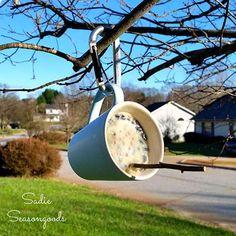 diy bird suet feeder from thrifted coffee mugs, crafts, outdoor living, repurposing upcycling Outdoor Projects, Garden Projects, Diy Projects, Suet Bird Feeder, Bird House Feeder, Garden Bird Feeders, Cat Feeder, Garden Globes, Bird Houses