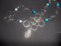 Filigranes Collier aus versilberten Kettenzwischenteilen, hochwertigen Bali-/ und Miyukiperlen.     Die Hand der Fatima gilt als schützendes Symbol Hand Der Fatima, Bali, Charmed, Etsy, Bracelets, Jewelry, Fashion, Necklaces, Neck Chain
