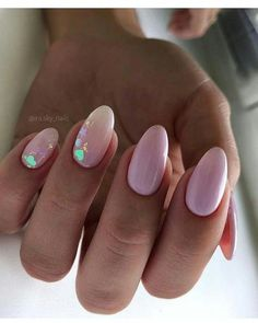 Semi-permanent varnish, false nails, patches: which manicure to choose? - My Nails Nude Nails, Nail Manicure, Acrylic Nails, My Nails, Nail Polish, Chic Nail Art, Chic Nails, Diva Nails, Nail Decorations