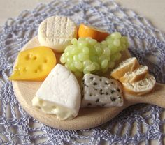 Cheese and Grapes #2 | por PetitPlat - Stephanie Kilgast