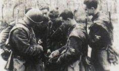 Italian SS Legionarios taking a break