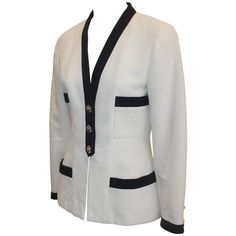 Preowned Chanel White 4-pocket Jacket With Navy Trim & Camellia... (7.410 BRL) ❤ liked on Polyvore featuring outerwear, jackets, white, vintage jacket, chanel jacket, 4 pocket jacket, 1980s leather jacket and fitted jacket