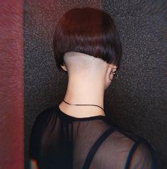 Short Bob Haircuts, Cool Haircuts, Short Hairstyles For Women, Shaved Bob, Shaved Nape, Short Hair Cuts, Short Hair Styles, One Length Bobs, Bob With Fringe