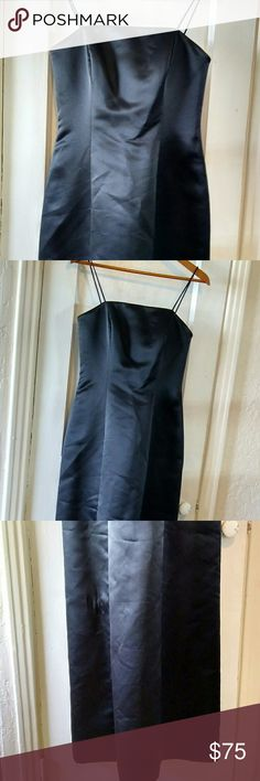 Alex Evenings black maxi dress, size 4. This is a beautiful Alex Evenings maxi dress with built-in chest support (side wire).   It is lined and has spaghetti straps.  It zippers up the back.  It is 58 inches long including the straps.  It measures 14 inches across the waist.  It will need to be ironed.  Its a great dress for any formal occasion.  It's in great condition. Alex Evenings Dresses Maxi