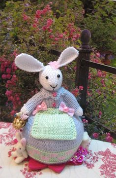Knitted decorative bunnyalso can be used