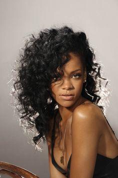 I lovee this photoshoot!! Rih looks gorgeous!! ❤️ #Rihanna