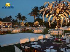 #bodaenacapulco La mejor organización para tu boda en Acapulco con Banquetes Elcano. CÁSATE EN ACAPULCO. Banquetes Elcano sabe lo importante que es una boda para los novios, por lo cual, pone un gran empeño a través de sus especialistas y sus servicios para que el evento salga a la perfección. Visita la página oficial de Fidetur Acapulco, para obtener más información.