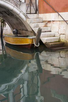 #boat #Reflection #bridge #venice #venezia #italy #italia Camera Photography, Cameras, Venice, Reflection, Bridge, Boat, Explore, Italia, Dinghy
