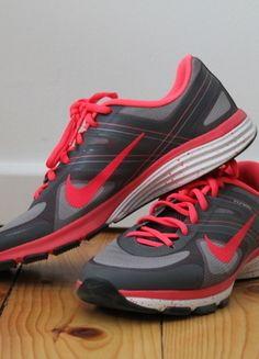 Kaufe meinen Artikel bei #Kleiderkreisel http://www.kleiderkreisel.de/damenschuhe/turnschuhe/127092008-pink-graue-nike-flywire-runners