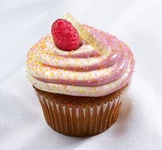 Jilly's Cupcake Bar and Cafe  June 2014 #raspberrylemontwist