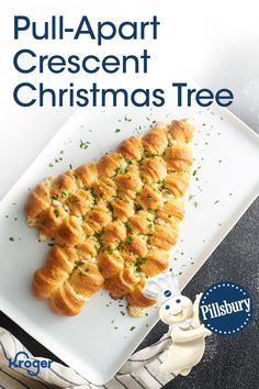 Its official: this is the appetizer were bringing to every party this holiday season. This cheese-stuffed tree is trimmed with melted butter and fresh parsley for a pull-apart centerpiece that will disappear before the party even starts. Christmas Party Food, Christmas Appetizers, Christmas Breakfast, Christmas Cooking, Christmas Ideas, Christmas Foods, Christmas Eve, Xmas Food, Christmas Candy