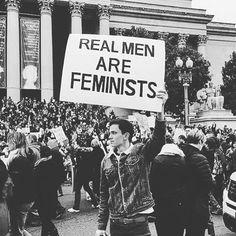 Marcia delle donne contro Trump! I veri uomini marciano e lottano con le donne per i loro diritti perché ancora nel 2017 dobbiamo farlo...Trump è il simbolo di tutto ciò che NON è uomo! ma non è solo lui il problema...è che di questi veri uomini ce ne sono ancora pochi...#womensmarch #womenmarch2017