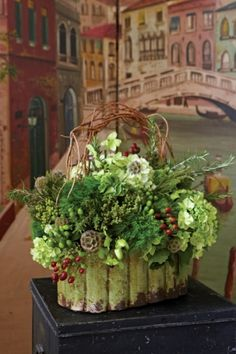 Flowers in shades of green, together with pops of red berries and curly willow, create a design with movement and texture. Large Flower Arrangements, Christmas Arrangements, Christmas Centerpieces, Art Floral, Floral Design, Christmas Decorations Australian, Shade Flowers, Purple Home, Christmas Flowers