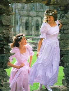 If you are Jane Austen and attending a picnic with your friends, the Churchills, Woodhouses, and Westons. The Only 12 Acceptable Scenarios For These Laura Ashley Outfits Laura Ashley 1980s, Laura Ashley Clothing, Laura Ashley Vintage Dress, Laura Ashley Patterns, Laura Ashley Fashion, Laura Ashley Wedding Dress, Diana Fashion, 80s Fashion, Vintage Fashion