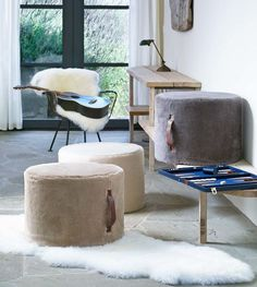 Oversized Classic Pouf