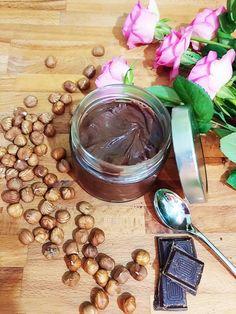 La ricetta per fare in casa la nutella vegan, una delizia per chi ama la crema spalmabile alle nocciole. Adatta per gruppi 0 e A della dieta del Dott. Mozzi.