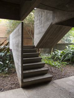 Image on Archisquare • Architettura Design Blog  http://www.archisquare.it/paulo-mendes-da-rocha-casa-butanta-san-paolo/