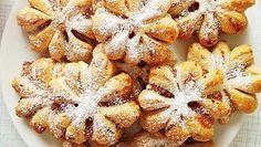 Perinteisten puolikuiden ja tähtien sijaan joulutortut leivotaan tänä vuonna kauniiden lumihiutaleiden muotoon. Cute Baking, Something Sweet, Christmas Baking, Christmas Recipes, Healthy Treats, Vegan Desserts, Sweet Recipes, Sweet Treats, Food Porn