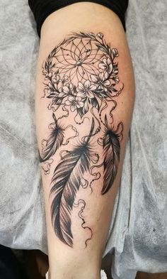 Cute Thigh Tattoos, Flower Leg Tattoos, Back Of Leg Tattoos, Leg Tattoos Women, Back Tattoo Women, Cute Tattoos, Body Art Tattoos, Wing Tattoos, Tatoos