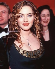 Titanic Costume, Leo And Kate, Queen Kate, Someone Like You, Kate Winslet, Pretty Woman, Beauty Makeup, Curly Hair Styles, Beautiful Women