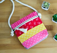 Pinterest UnTutorial Solved... my Cross Body Zipper Tote! — SewCanShe | Free Daily Sewing Tutorials