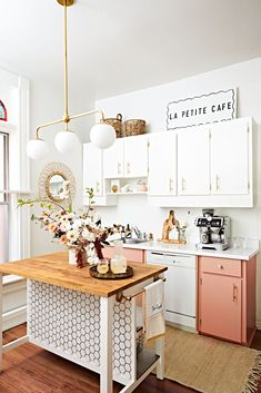 Kitchen Island Storage, Kitchen Ikea, Farmhouse Kitchen Island, Rental Kitchen, Kitchen Island Decor, Modern Kitchen Island, Eclectic Kitchen, Boho Kitchen, Kitchen Redo