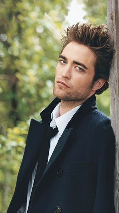 Robert Pattinson (he was better in Harry Potter)