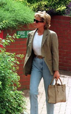 Diana in street style.