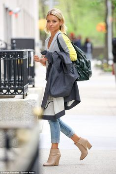 ♦♦♦Kelly Ripa♦♦♦ Home sweet home: Ripa arrives back at her Manhattan townhouse on Friday afternoon...