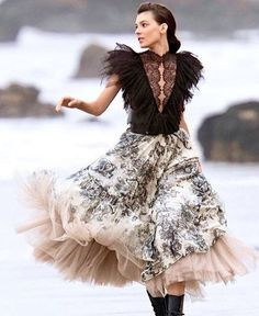 Super party look fashion tulle skirts ideas Fashion Moda, Look Fashion, Trendy Fashion, High Fashion, Fashion Show, Fashion Outfits, Fashion Design, Party Fashion, Men Fashion