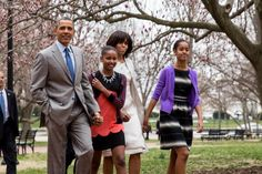 Loving the Obamas in their Easter Sunday Best! http://buff.ly/11gGQoQ