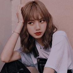 Jennie Blackpink, Blackpink Lisa, South Korean Girls, Korean Girl Groups, My Girl, Cool Girl, Chica Cool, Lisa Blackpink Wallpaper, Kim Jisoo