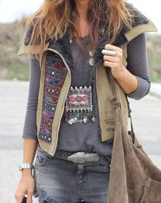 Snake belt and boho look Hippie Style, Estilo Hippie Chic, Gypsy Style, Boho Chic, Bohemian Mode, Bohemian Style, Boho Outfits, Cute Outfits, Fashion Outfits