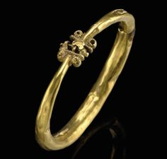 A SELJUK GOLD BRACELET, IRAN, 11TH CENTURY