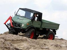 OldtimerPlus Kalender 2021 Abstimmung | OldtimerPlus Classic Mercedes, Mercedes Benz Cars, 4x4, Monster Trucks, Vehicles, Friends, Objects, Old Tractors, Agriculture