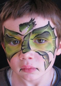 Dragon face paint, awesome for boys… Monster Face Painting, Dragon Face Painting, Face Painting For Boys, One Stroke Painting, Body Painting, Face Painting Colours, Face Painting Designs, Dragon Birthday, Dragon Party