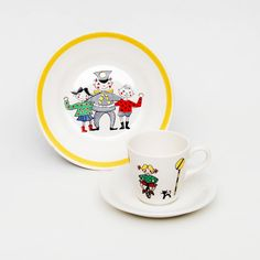 Trygg trafikk barneservise. Liten kopp med skål og liten tallerken.