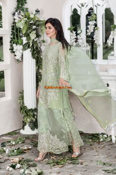 http://www.pakiboutique.com/wp-content/gallery/maryum-n-maria-shamrock-collection-2017/maryum-n-maria-shamrock-collection-2017-12.jpg