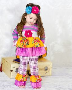"""""""Golden Crown"""" Libby Ruffle Set « Giggle Moon"""