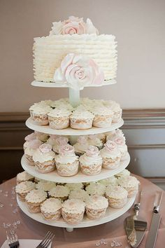 Mini Wedding Cake Wedding Cupcake / http://www.himisspuff.com/beautiful-wedding-cupcakes/2/